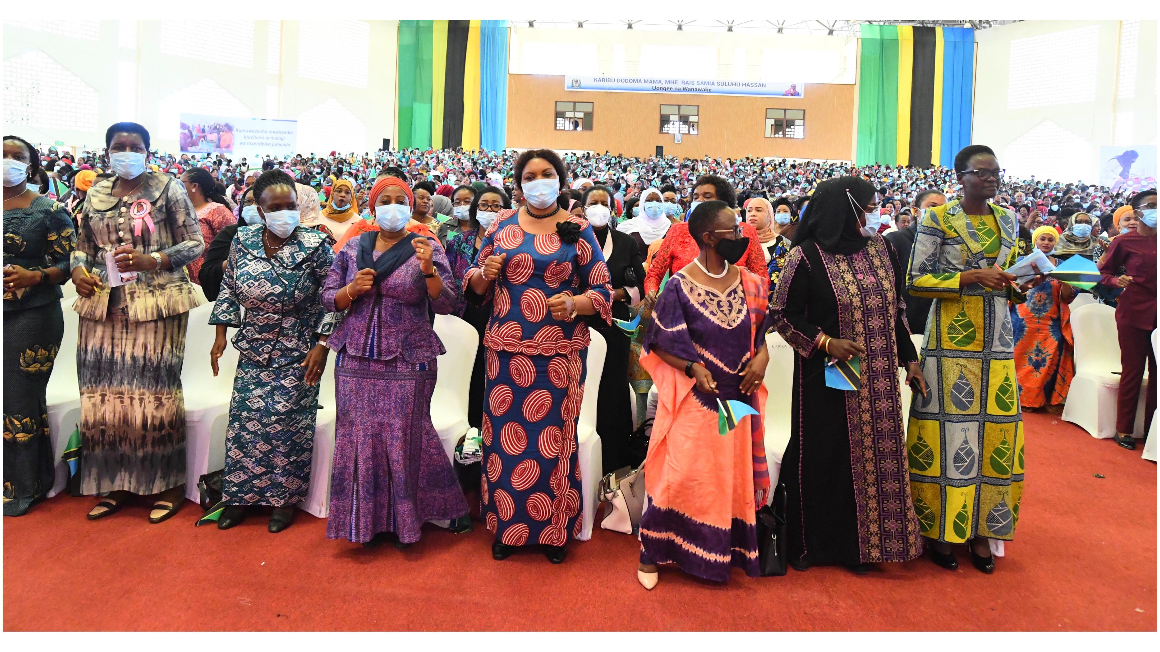 Rais wa jamhuri ya Muungano wa Tanzania, Mheshimiwa Samia Suluhu Hassan akutana na kuzungumza na wanawake wa Dodoma kwa niaba ya wanawake Tanzania leo tarehe 08 Juni, 2021 katika Ukumbi wa Jakaya Kikwete Convention Center Jijini Dodoma.