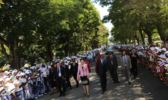Rais Jakaya Mrisho Kikwete Akimkaribisha Mgeni wake Mhe. Waziri Mkuu wa Thailand Yingluck Shinawatra Ikulu